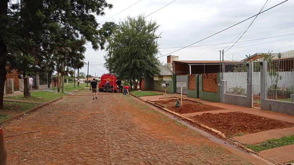 MUCHOS VECINOS DE IGUAZÚ CONTINUABAN AYER SIN LA PROVISIÓN DEL LÍQUIDO VITAL POR RED