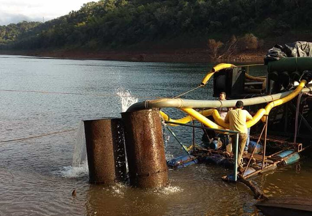 Puerto Iguazú sin agua: por dos días seguirá el reparto casa por casa