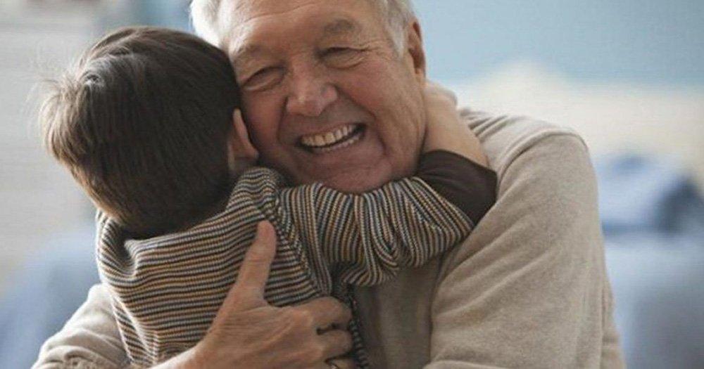 flexibilizan las visitas y salidas en los geriátricos